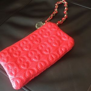 Wristlet quilted EUC.